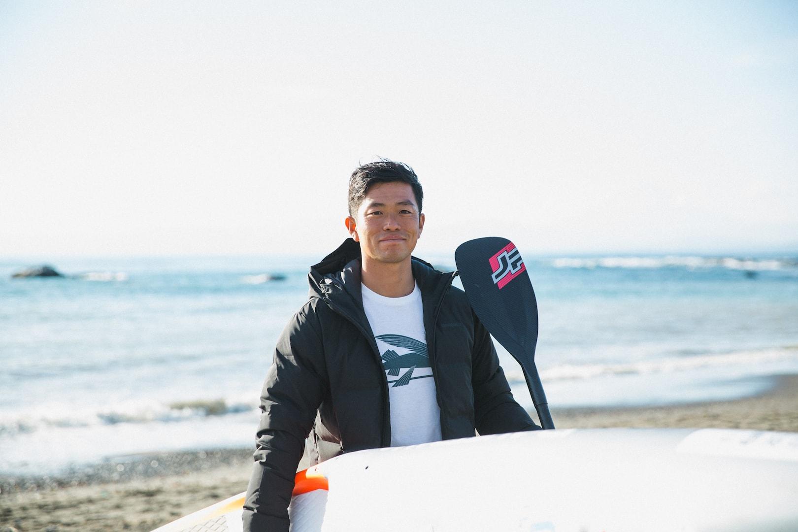 海を漕ぐ。その楽しさをいろんな人に知ってもらいたい。全日本SUP選手権チャンピオン・金子ケニーさんが伝えたい「自然に感謝し、共存する暮らし」
