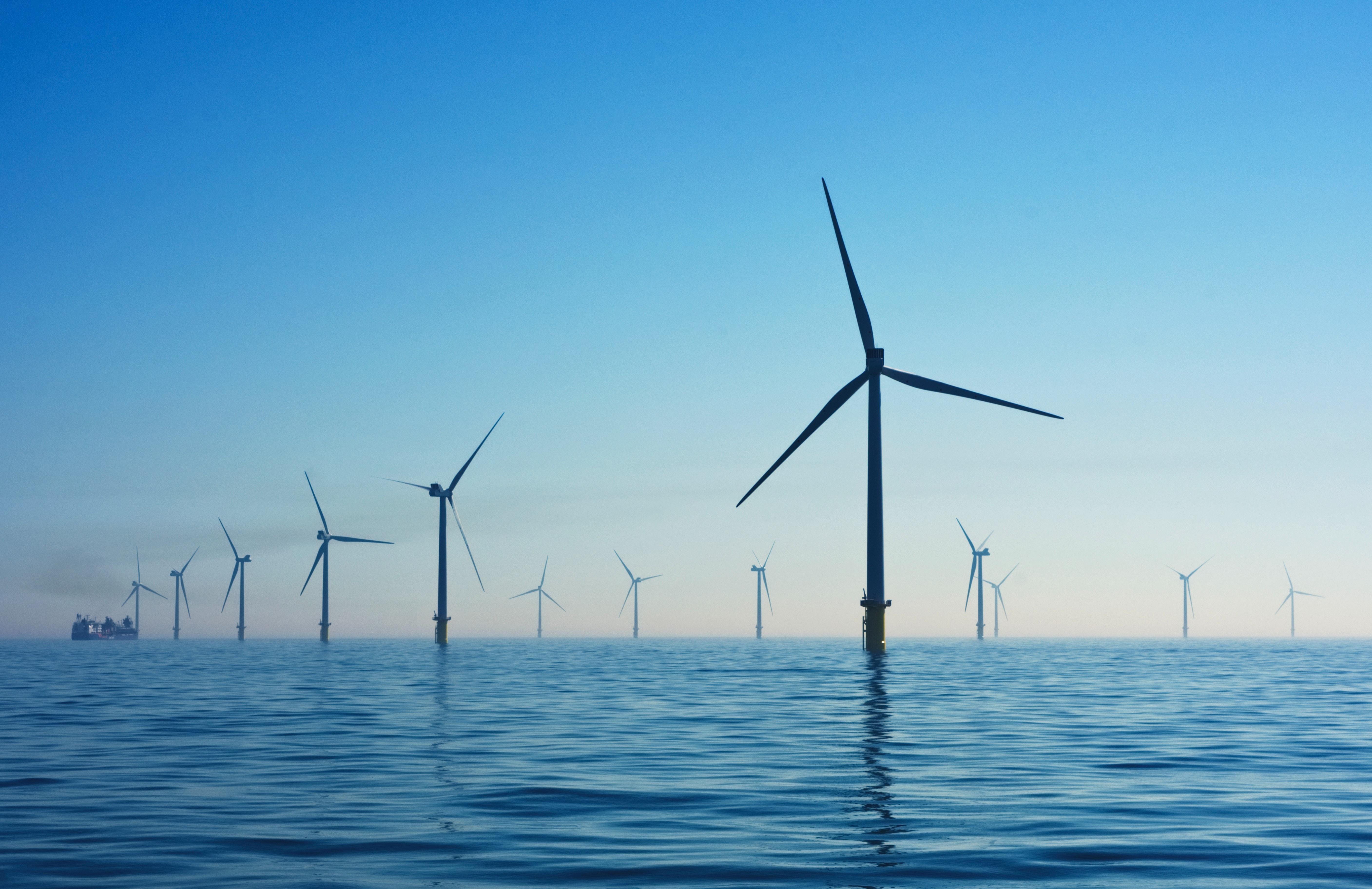 日本における「再生可能エネルギーの発電割合」を増やすためにできること:洋上風力発電