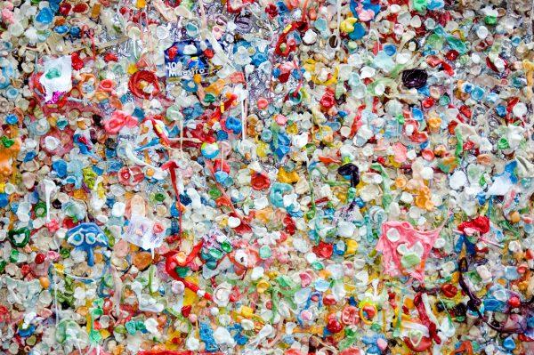 最大の受け手を失った日本の廃プラスチック、どう対処するべきか
