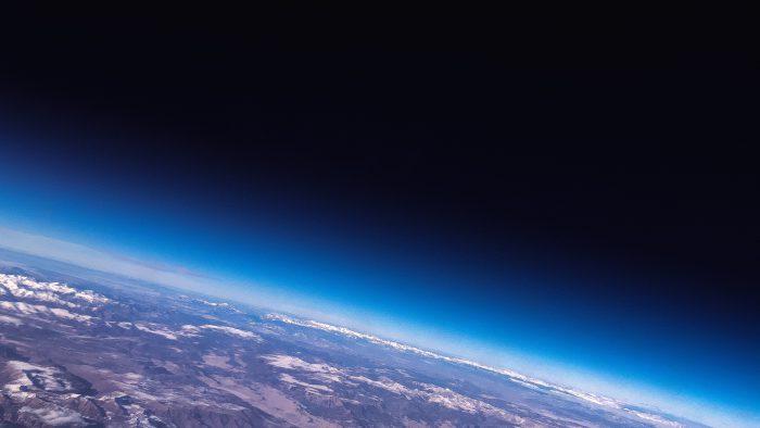 オゾンホール 地球を守るオゾン層の破壊を食い止めるために私達ができることとは
