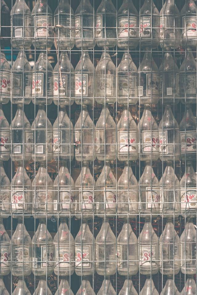 ガラスは地球に優しい素材? 環境負荷削減とリサイクルに取り組む日本と世界の課題とは
