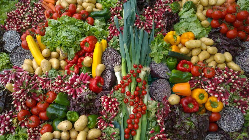 捨てられてしまう「規格外」の野菜や果物 無駄をなくすために私たちにできることは何だろう